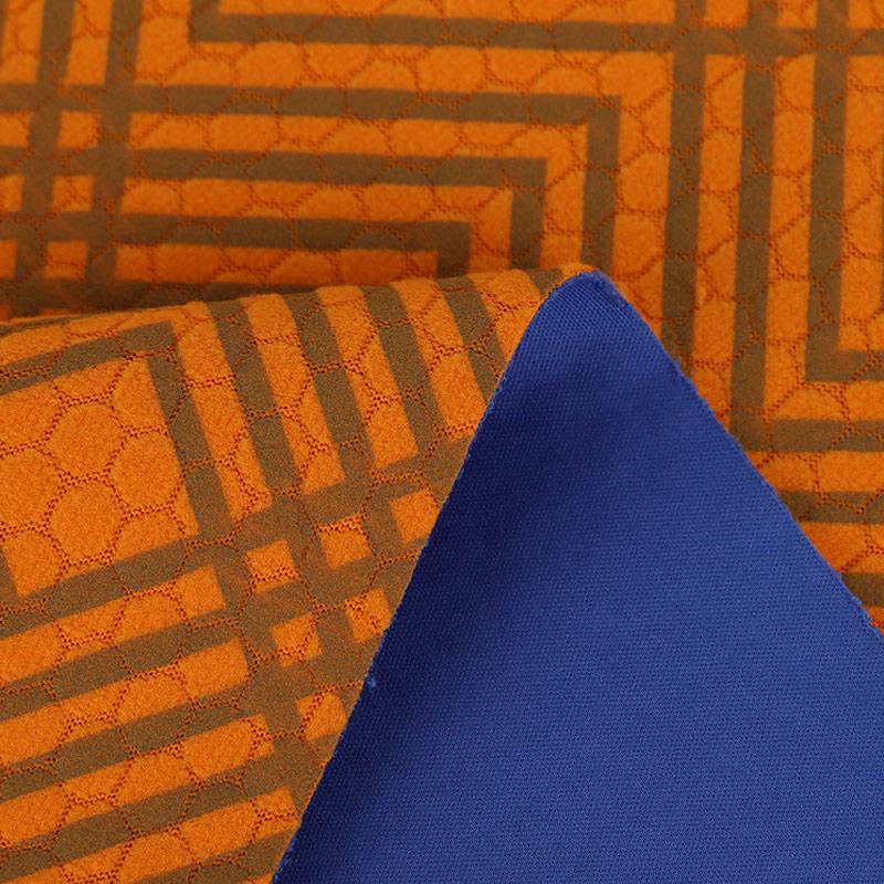 50D针织布+TPU低透明+足球格摇粒(陶瓷保暖)